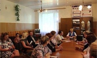 Глава Кадуйского муниципального района встретилась сжителями пос. Хохлово