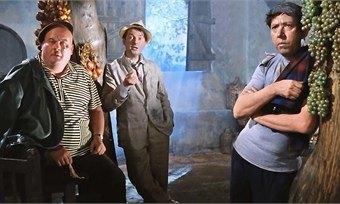 Празднуем 100-летие российского кинематографа итепло одеваемся квечеру